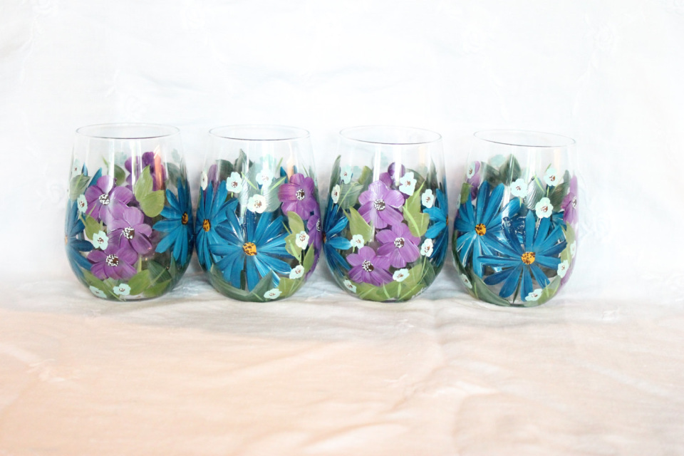 Stemless wine glasses hand painted blue and purple floral for Painted stemless wine glasses